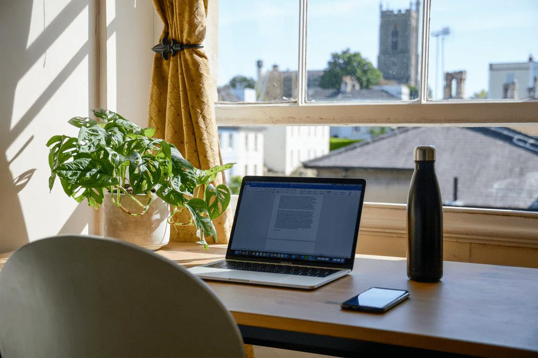 Varannan kontorsarbetare kan tänka sig flytta vid fortsatt distansarbete